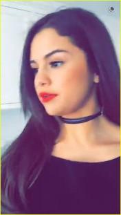 Selena Gomez rocking the thin choker trend